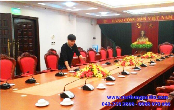 loa âm trần cho hệ thống âm thanh hội nghị hội thảo